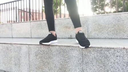 君晓天云老北京布鞋女加绒2019春秋旅游鞋子中老年人妈妈鞋休闲黑色运动鞋