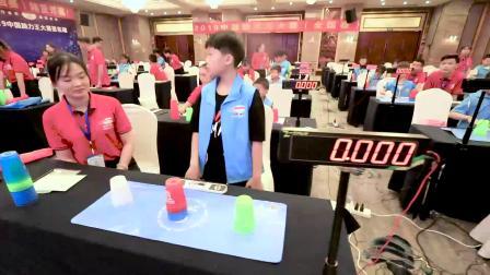 中国脑力王大赛选手速叠杯玩出新花样