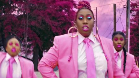 [杨晃]美国说唱教母Missy Elliott 全新单曲Throw It Back
