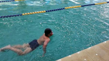 新乐天游泳班学员张航宇入门视频