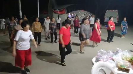 莱西市河头店镇松旺庄村松美广场舞《舞动人生》一编舞;彩虹雨