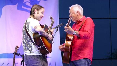 【指弹】Tommy Emmanuel 和 Billy Strings - Guitar Boogie
