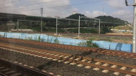 D8581次进贵阳北站