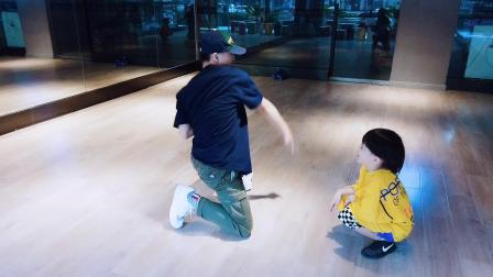 XL·Excellent 優秀街舞:徐文杰老师小课 学生:秦喆轶赫