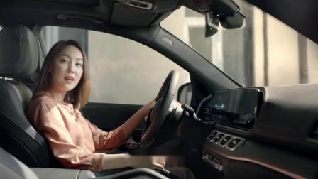 梅赛德斯奔驰 天眼通 后视镜自动下翻篇 60秒广告