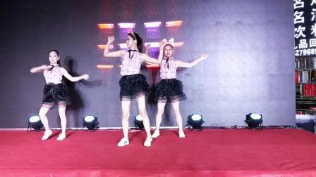 吉安舞蹈队演出