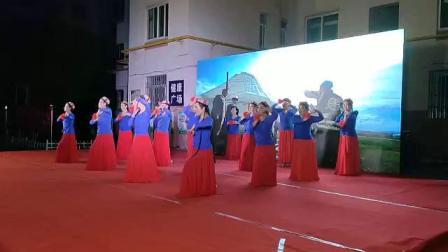兰州霓裳玫瑰新疆舞培训班首场演出巜我家门前一枝花》2019年8月30日发布