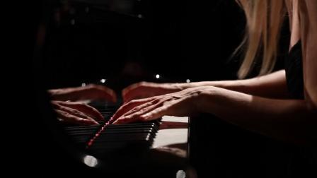 弗雷德里克•弗朗索瓦•蕭邦 : 升C小調為鋼琴所作的第七號圓舞曲Op.64 No.2