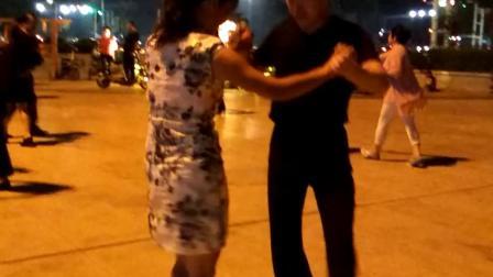 永济滨河公园广场交际舞