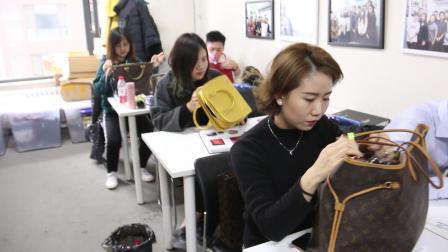 优奢易拍鉴定培训—课程包含全球几十个奢侈品品牌箱包以及服饰的鉴定讲解和价格评估。