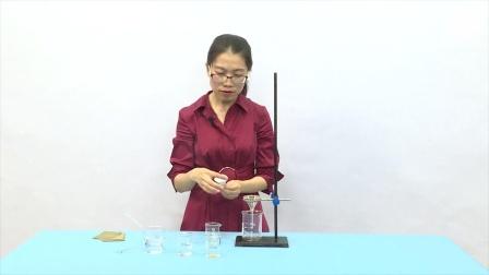 用水分离食盐和沙混合与分离视频素材02