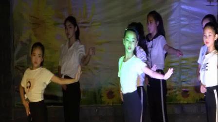现代舞  我要飞  花之雨舞蹈培训学校汇报演出。