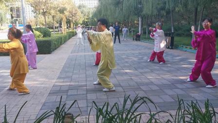張家口高手演練的吳式四十五式太極拳