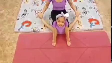 Stretching middle splits
