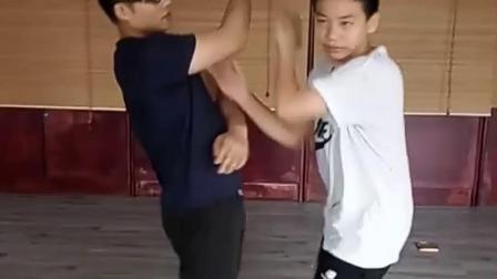 深圳咏春拳青少年训练室 手法转换练习  19864476447
