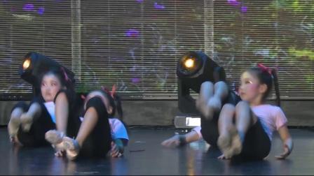 艺术校园小荷花贵州省区《村娃的舞蹈课》思南县雪倪舞蹈培训中心