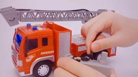 君晓天云儿童消防车玩具大号模型会喷水音乐男孩有声音云梯洒水车仿真声光