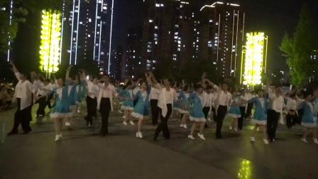 柴桑区体育舞蹈协会兵兵三步踩舞集排