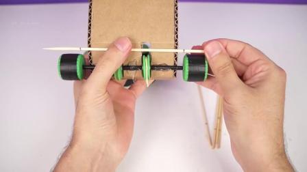 创意DIY牛人用纸板制作遥控坦克玩具这动手能力太爆棚了