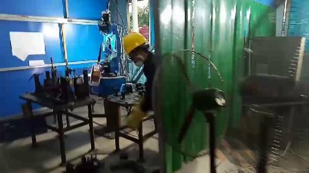 CRP机器人-乘用车部件焊接2
