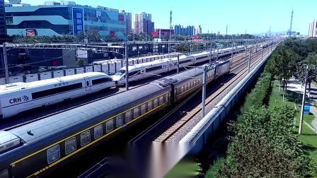 CRH380BG重联,HXD3C牵引快速列车通过北京南站翠林天桥。