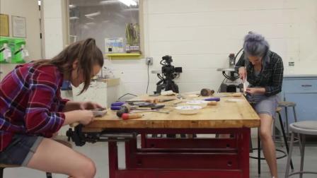 新手尝试手切燕尾榫接头A COMPLETE BEGINNER Tries Hand Cut Dovetail Joints - Woodworking