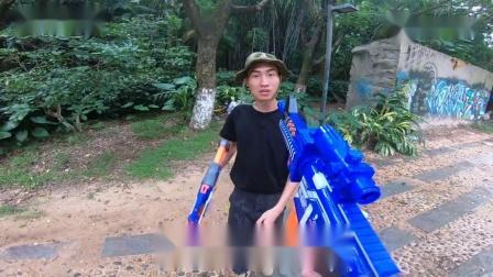 真人搞笑CS:布泰冷被骗扔掉武器,敌人却拿着枪,惊现空手脱白刃