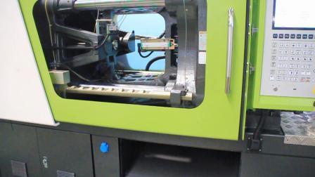 宝捷CM200-S6混双色专用注塑机一出八生产牛筋梳子