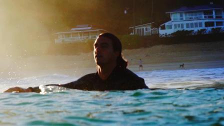 会冲浪的男孩太酷了迷幻短片《流浪者》