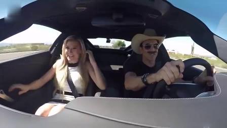 F1赛车手伪装成滴滴司机,女乘客下车后懵圈了