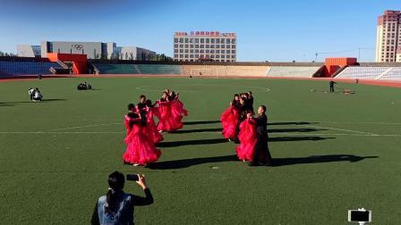 变形集体交谊舞之一《中三月亮女神》吉林省扶余市2019-09-16