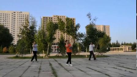 玫瑰花语健身队清晨自由锻炼随意拍