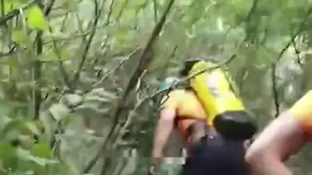 嵩山两名5旬游客雨后坠崖!半山腰被发现,无生命体征