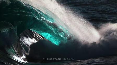一部前所未有的海洋摄影巨制《深海》