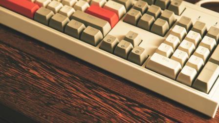 君晓天云黑爵AK510樱桃轴cherry复古机械键盘电脑游戏台式104键青轴黑轴茶轴红轴双色PBT球帽电竞RGB灯光发光有线IG