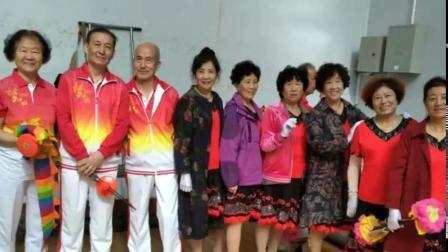 宝鸡市渭滨区空竹(花棍)在市老体协庆祝建国7O周年健身项目展示会的表演