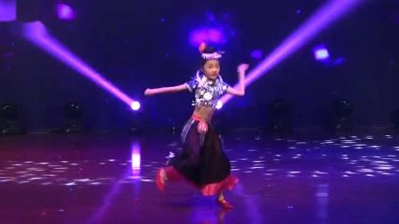 2018小舞蹈家少儿独舞表演全套舞蹈比赛之《春到苗岭》