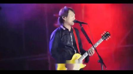 伍佰《挪威的森林》现场版,电吉他solo超级帅!