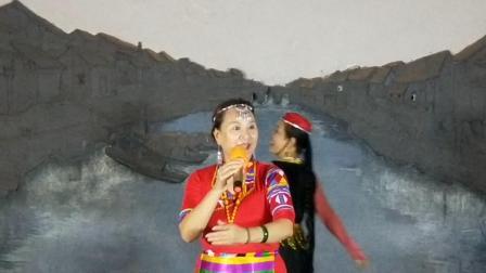 香巴拉并不遙遠唱周女士    舞劉女士    成都人南立交橋下周三    望虹視頻制作WH20190901822