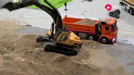儿童玩具车模型视频,挖掘机挖土装车工作表演