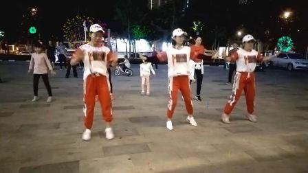 鹰峰曳舞团刘红团队美女团员练舞 济南和瑞广场 2019-9-22