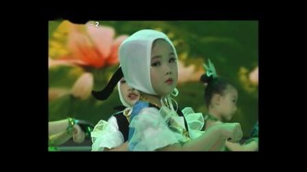 少儿舞蹈《蓝天谣》~西安市爱舞艺术培训学校