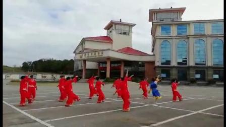 龙凤社区舞蹈队巜心在草原飞》