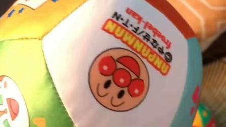 君晓天云包邮日本麵包超人皮质软麵材质足球小皮球橄榄球手抓球早教玩具