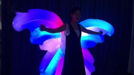 定做LED充气蝴蝶翅膀,创意LED舞台道具,LED表演服