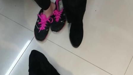 美女式穿高跟靴