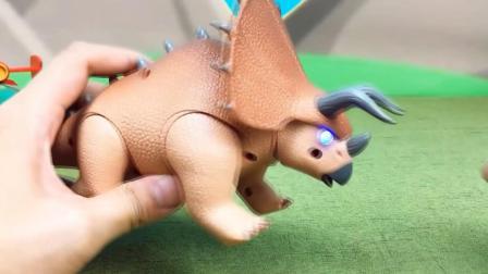 儿童玩具三角龙拆箱 方程车变形玩具过程视频