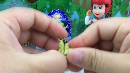 恐龙奇趣蛋里面的秘密 拆恐龙玩具蛋组装小玩具