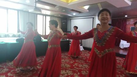 郑州新疆舞友庆国庆联谊会,许昌艺术团表演《美丽的新疆》