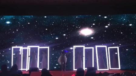 上海晋兴文化·创新舞蹈《时空之门》